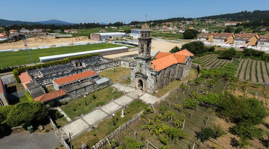 Iglesia San Juan de Leiro - Visit O Salnés ®